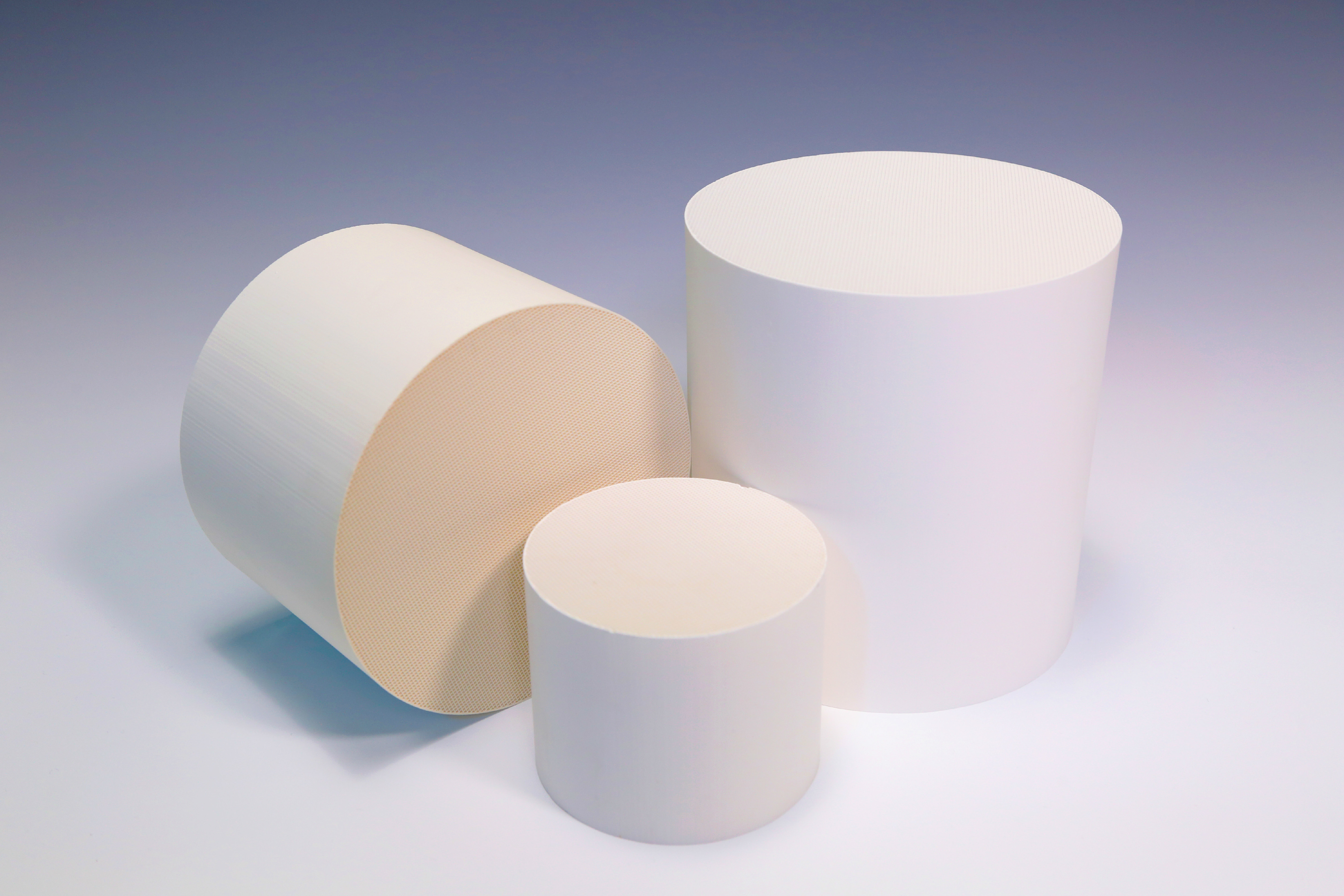Porous Cordierite Honeycomb Ceramic Round for Catalyst Substrate